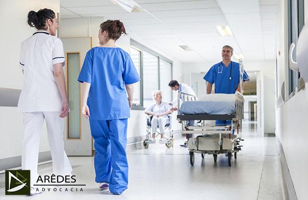 Quem trabalha em hospital tem direito de se aposentar mais cedo